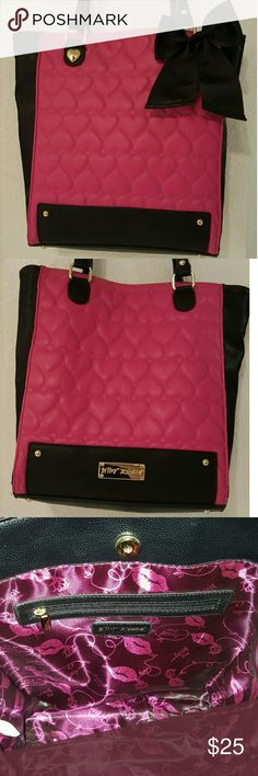 ♥💋🎀Betsey Johnson Tote🎀💋♥ Large Hot Pink and Black Tote. Only used twice. Like New. One side with zipper. And the other side with two individual pockets. Length: 12  1/2 in. Long.  15  1/2 in. Wide Betsey Johnson Bags Totes