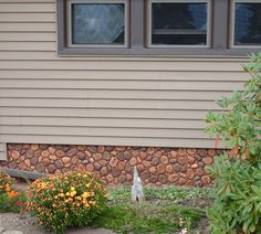 River rock panels add a durable look to this mobile home