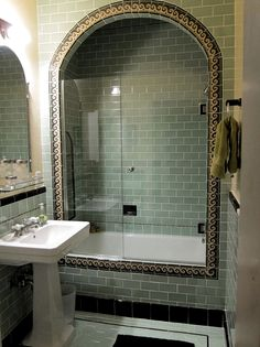 Spanish Style Bathroom Floor Spanish Style Bathroom Rustic Spanish Style Bathroom Decor Spanish Style Bathroom Spanish style vanity tiles Creative bathroom tile ideas you should try Spanish Bathroom, Spanish Style Bathrooms, Spanish Style Homes, Spanish House, Spanish Revival, Spanish Colonial, Spanish Tile, Art Deco, Art Nouveau