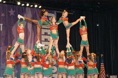cheer pyramid