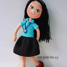 İlkokula yeni başlayan güzel bir kız çocuğuna hediye olarak örüldü .. Güzel günlerde kullanılsın  . . #ilkokul #öğrenci #hediye #talebe #doğumgünü #amigurumi #örgü #crochet #örgüoyuncak #oyuncak #doğaloyuncak #sağlıklıoyuncak #kızbebek #kızçocuk #oyun #dolls #girls #bebek #baby #hobi #kids #hobby #prenses