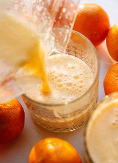 Super simple and healthy clementine smoothie recipe - cookieandkate.com