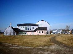 Steiner Community and School in Järna, Sweden Organic Architecture, School Architecture, Beautiful Architecture, Beautiful Buildings, Photography Photos, Travel Photography, Rudolf Steiner, Photo P, School Building