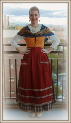 Aragon, Fashion History, Traditional Outfits, Two Piece Skirt Set, Sari, Regional, Skirts, Clothes, Dresses