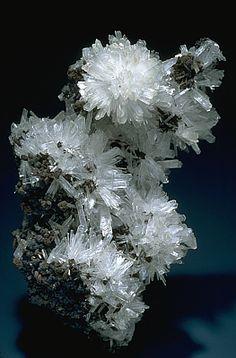 Hemimorphite, a zinc mineral