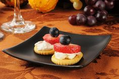 12 RITZ low-sodium crackers cup whipped mixed berry cream cheese spread 3 medium sized strawberries and/or Low Sodium Snacks, Low Sodium Recipes, Diet Recipes, Strawberry Snacks, Kidney Friendly Foods, Kidney Recipes, Cream Cheese Spreads, Special Recipes, Food To Make