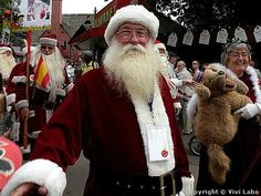 Every year in July, Bakken Amusement Park in Denmark is hosting the great World Santa Claus Congress, where real Santas from around the world get together to spread Christmas cheer and discuss important Christmas issues. Click picture for more info. Christmas Is Coming, Christmas Holidays, Christmas Crafts, Xmas, Santa Clause, Santa Baby, Amusement Park, Snowmen, Denmark