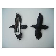Raven hair clips by wingandtalon on Etsy. Leather Accessories, Leather Jewelry, Leather Craft, Hair Accessories, Metal Hair Clips, Bijoux Diy, Hair Barrettes, Soft Grunge, Pastel Goth