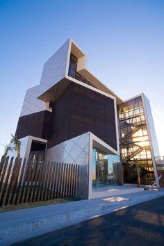 Darcons Headquarters by Arquitectura en Proceso