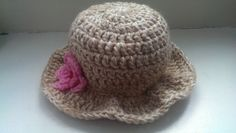 So today I have decided to make another hat. This time I wanted to make it with a brim. Sun Hats, My Etsy Shop, Crochet Hats, Crafty, Trending Outfits, Unique Jewelry, Handmade Gifts, How To Make, Vintage