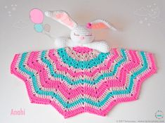 Our Bunny is here to accompany the little ones in their first steps ♥♥♥ Let's learn a little about it . What is an baby blanket? The baby blankets a Bunny Blanket, Blanket Yarn, Baby Blanket Crochet, Crochet Elephant Pattern, Crochet Bunny, Crochet Patterns, Baby Patterns, Pattern Baby, Blanket Patterns