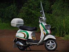 vespa lx150 #tricolore #nolan graphic style #piaggio scooter
