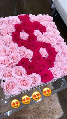 Birthday Goals, 16th Birthday, Girl Birthday, Birthday Ideas, Best Birthday Surprises, Rosen Box, Cadeau Couple, Luxury Flowers, Cute Gifts