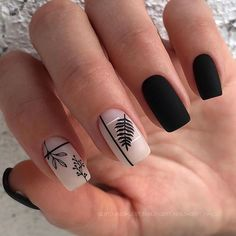 Want to try black acrylic nails but never knew what you wanted! We have put together a quick list of our favorite black acrylic nail designs to get your imagination going! Nagellack Design, Nagellack Trends, Black Acrylic Nails, Black Nails, Classy Nail Designs, Short Nails Art, Luxury Nails, Nagel Gel, Square Nails