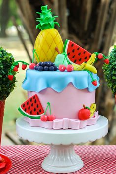 Candy Theme Birthday Party, Watermelon Birthday Parties, Fruit Birthday, Picnic Birthday, Fruit Party, Bolo Picnic, Tutti Fruity Party, Sea Cakes, Ice Cream Party