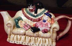Estate Find Tea Pot Cat on Sofa Cardinal Inc Made in Phillippines Adorable | eBay