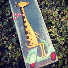 #pebbleart #madewith❤ #handpainted #handmade #giraffe #vespa #madebyhand #paintedstones #pebbleart #giftideas