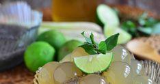 香茅果冻 Lemongrass Jelly with Mint Honey Syrup Cute Desserts, Asian Desserts, Grass Jelly, Boba Drink, Honey Syrup, Jello, Lemon Grass, Food Design, Coffee Shop