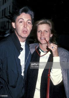 paul-mccartney-and-linda-mccartney-during-paul-and-linda-mccartney-picture-id106028498 727×1,024 pixels