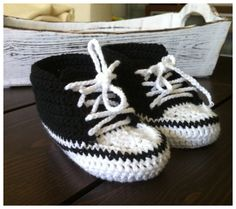 Crochet Baby Converse Pattern at http://www.ravelry.com/patterns/library/crochet-baby-converse