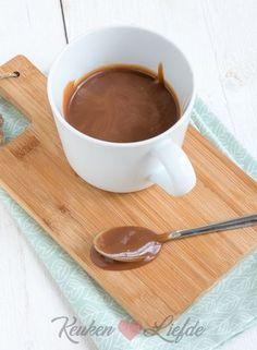 Toffeesaus Delicious Desserts, Yummy Food, Sweet Sauce, Chutney, Chocolate Fondue, Sweet Recipes, Caramel, Muffins, Ice Cream