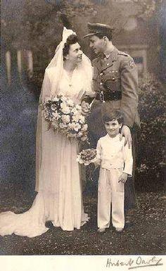 Novia y el novio al final de la II Guerra Mundial