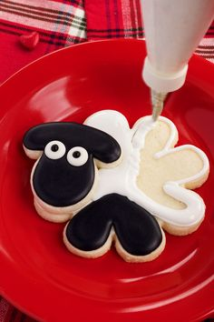 Easy Tutorial for Decorated Sheep Cookies | The Bearfoot Baker