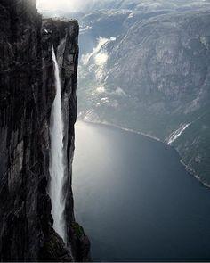 Kjeragfossen, Norway