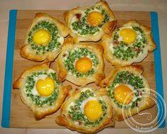Jajka zapiekane w cieście francuskim Tortellini, Sushi, Food And Drink, Pizza, Tasty, Breakfast, Healthy, Ethnic Recipes, Cos