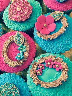 Laces cupcake