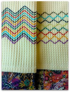 Vohvelikirjontaa Free Swedish Weaving Patterns, Free Hand Designs, Swedish Embroidery, Monks Cloth, Running Stitch, Hand Embroidery Designs, Loom Patterns, Embroidery Techniques, Loom Beading