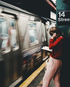 Young woman reading in New York's subway Art Print by lakonur New York City Photos, New York Pictures, Beige Aesthetic, Aesthetic Girl, Coffee Shop Japan, Glitch Photo, College Aesthetic, Foto Madrid, New York Subway