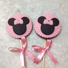 Paletas Chocolate, Minnie Mouse Cookies, Fondant, Cookie Decorating, Cupcakes, Cake Recipes, Birthday, Sweet, Julia