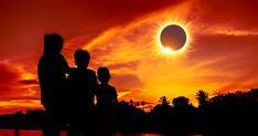 Sıkıntılı Bir Durumdan Özgürleştiren Bir Çıkış İmkanı! Güneş tutulması Yay burcunun 23 derecesinde gerçekleşiyor. Yay'da Güneş ve Ay'in yanında Merkür de var. Bu üç yıldız Koçta bulunan Mars ile oldukça iyi bir açı yapmakta. Çaba, gayretimizi bir hedefe yöneltip harekete geçtiğimizde bir başarı elde etmek anlamına geliyor. Mars, Celestial, Sunset, Outdoor, Sunsets, Outdoors, March, Outdoor Living, Garden