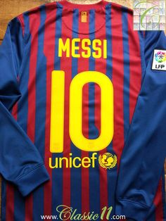 Relive Lionel Messi s La Liga season with this vintage Nike Barcelona home  long sleeve football shirt. cae1eec1593d2