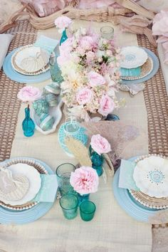 Holiday Entertaining by the Beach Coastal Tablescapes