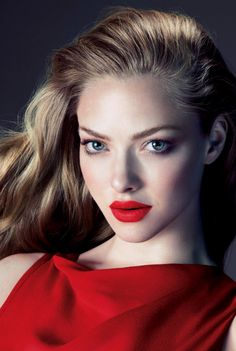 red lips // Amanda Seyfried // neutral eyes