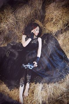 Black lace dress  Made by Lanalan Photo by Thanhsun