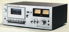 SONY TC-2310 1975 Cassette Recorder, Tape Recorder, Sony Design, Audio System, Tv Videos, Vinyl Records, Showa, Accra, Decks