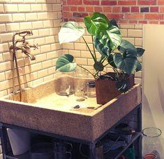 home plants shower plantshower douche platentafel rain flower kitchen No Rain No Flowers, House Plants, Shower, Kitchen, Home Decor, Rain Shower Heads, Cooking, Decoration Home, Room Decor