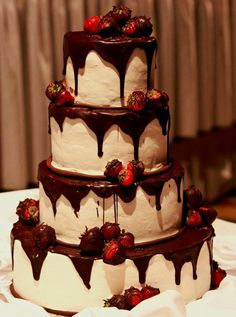 Want something different for your Rochester Wedding cake?  Love @Debra Stirone creations at Gourmet Goodies