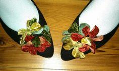 #wearflowersonyourshoes #funfeet #vintageflats