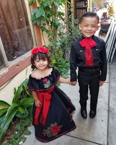 Dutiful campaigned quinceanera photography Get it here - Yersq Sites Mexican Costume, Mexican Outfit, Mexican Dresses, Mexican Fiesta Birthday Party, Mexican Party, Charro Wedding, Mexican Quinceanera Dresses, Traditional Mexican Dress, Fiesta Outfit
