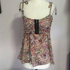 Kimchi Blue Floral Top- Med Adjustable tie spaghetti straps and zippered bodice- like new! Urban Outfitters Tops