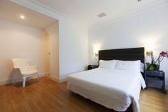 Nuestros clientes están encantados de las habitaciones, de diseño minimalista y cuidado. Más en http://www.hotelriobidasoa.com/index.php/habitaciones/