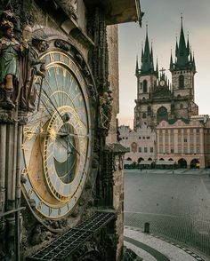 Astronomical clock at Staromestske namesti, Prague, Czechia 🌺🌻✿❀❁For more great pins go to Places Around The World, Around The Worlds, Places To Travel, Places To Go, Europe Centrale, Prague Travel, Prague Czech Republic, Voyage Europe, Beautiful Architecture