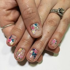 """If you're unfamiliar with nail trends and you hear the words """"coffin nails,"""" what comes to mind? It's not nails with coffins drawn on them. It's long nails with a square tip, and the look has. Trendy Nails, Cute Nails, Funky Nails, Hair And Nails, My Nails, Nagel Hacks, Nail Swag, Flower Nails, Nail Art Flowers"""