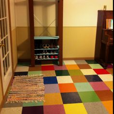Multicolored floor using Vinyl Composition Tile Tile Basement Floor, Basement Flooring Options, Kitchen Flooring, Rubber Flooring, Vinyl Flooring, Tile Design, Pattern Design, Vct Tile, Tiles