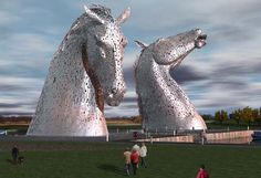 and the finished sculptures of the Kelpies in Falkirk, Scotland - an unbelievable 30m high!!! wow!