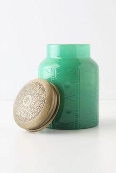 Skoro żyjemy eko, to recycling w pełni! Zobaczcie co można zrobić w puszkach po naszych kosmetykach Khadi :)  http://www.lilinaturalna.com/2013/11/swiece-w-puszkach.html
